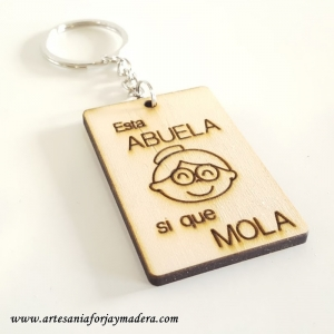 "Llavero ""Esta Abuela si que Mola"""