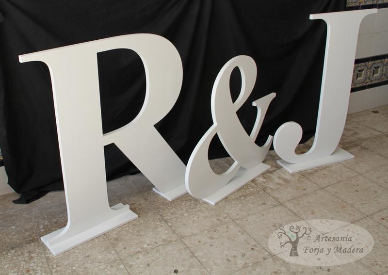 Letras grandes madera materiales de construcci n para la - Casa letras madera ...