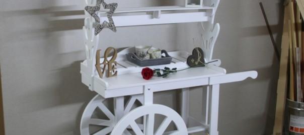 carro de chucherias de madera para bodas y eventos