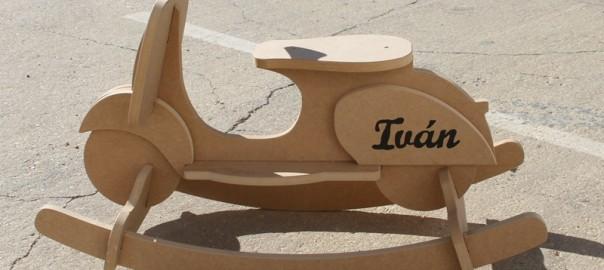 moto vespa de madera (1)