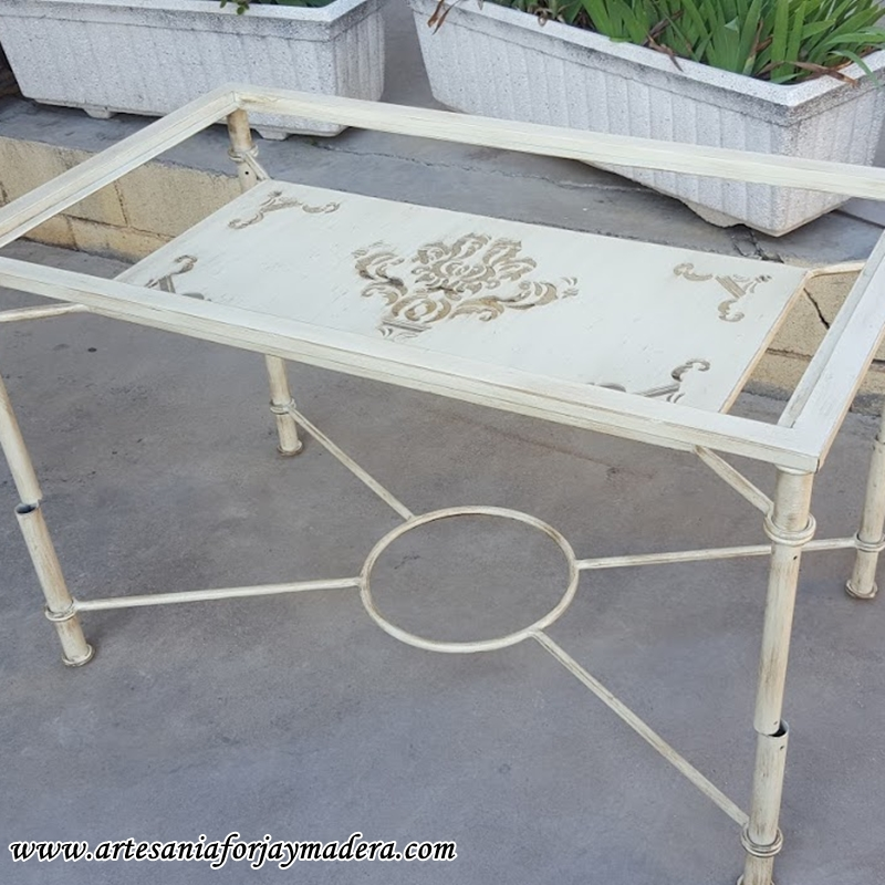 mesa elevable hierro qatar
