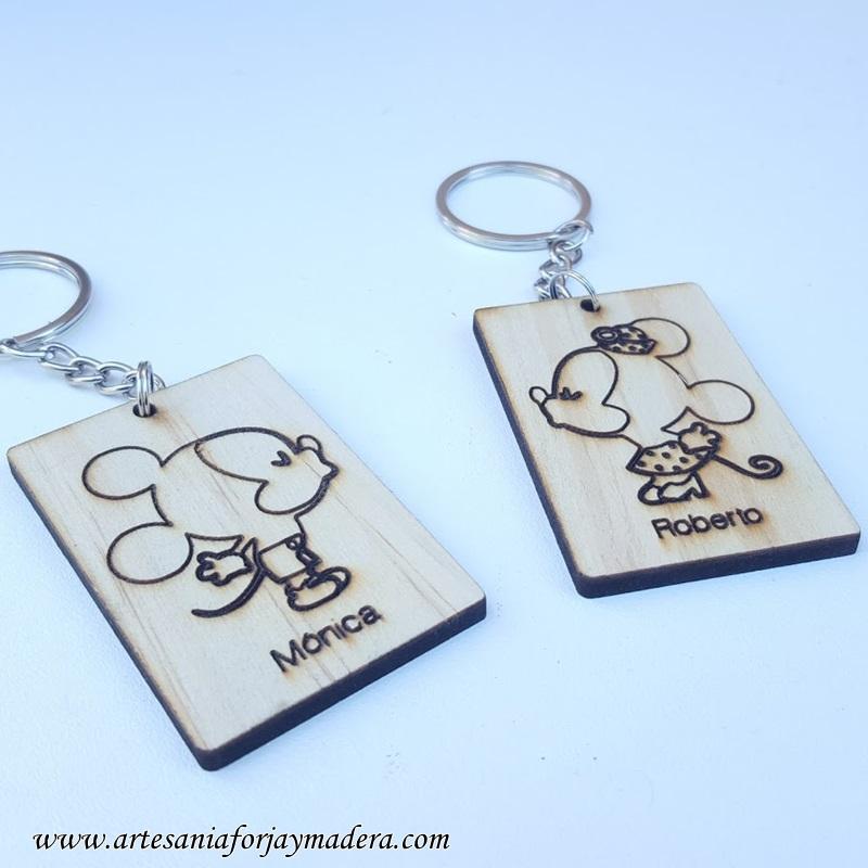 llaveros mickey y minie love 1