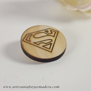 BROCHE SUPERMAN
