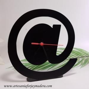 Reloj Sobremesa Arroba