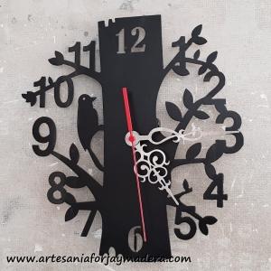 Reloj Pajaro en Arbol