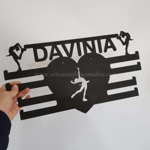 ST Medallero patinaje madera negro Davinia