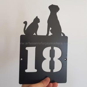 Numero Puerta Grande gato y perro