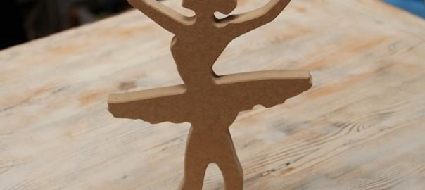 bailarina de madera