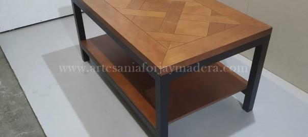 Mesa de forja con revistero de madera